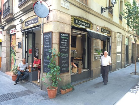 Komo en Kasa... my favorite café in Barcelona